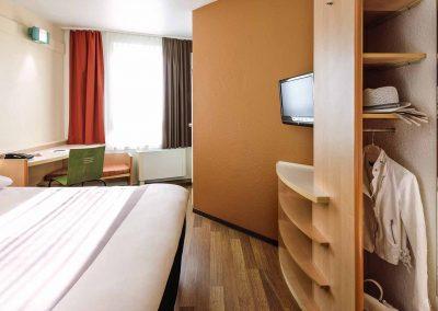 Ibis Bamberg Altstadt Standardzimmer Doppelbett Schrank